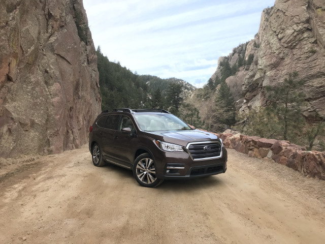 2020 Subaru Ascent review, 2021 Genesis GV80 review, Porsche Taycan range disappoints: What's New @ The Car Connection