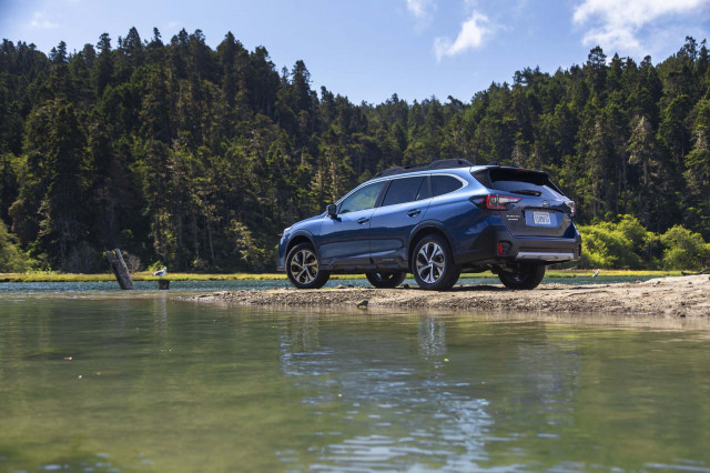 2019 Honda CR-V vs. 2020 Subaru Outback: Compare Crossovers