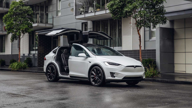 Tesla suspension investigated by the NHTSA; Model Y, Model X recalled