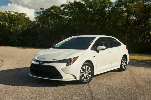 Corolla wins Best Economy Car To Buy, Fisker Ocean questions, Toyota RAV4 outdoes Prius: What's New @ The Car Connection
