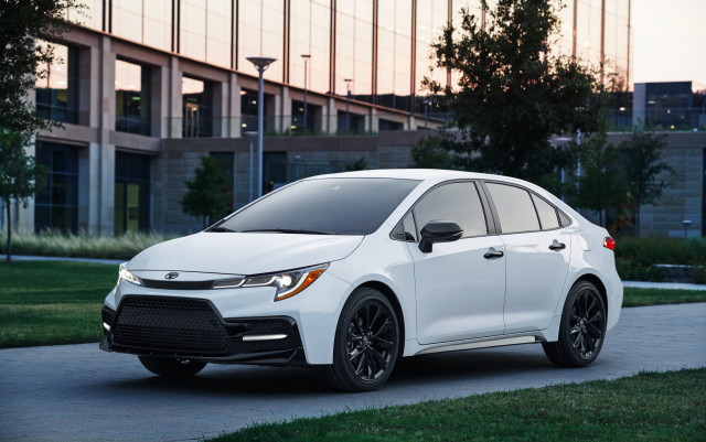 2020 Corolla vs Sentra, 2021 Genesis GV80 revealed, GM's electric future: What's New @ The Car Connection