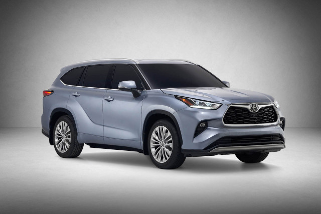 2012 Toyota Highlander For Sale >> How the 2020 Toyota Highlander Hybrid 3-row crossover gets ...