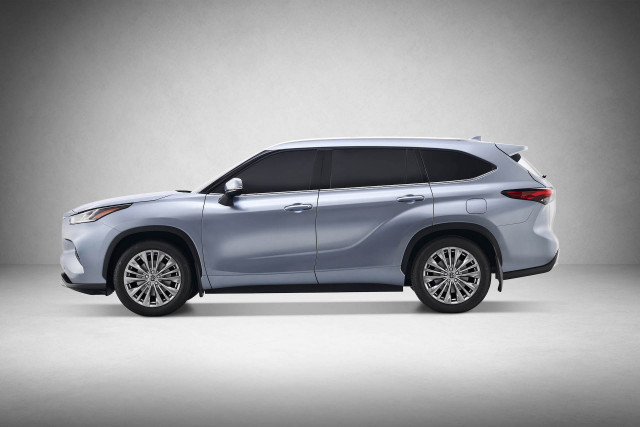 Toyota Highlander: New Styling, More Efficient Hybrid Model