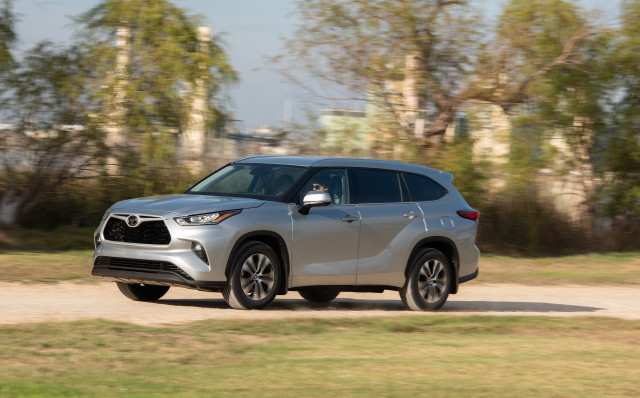 Car Prices: 2020 Toyota Highlander debuts at $35,720, tops out above $50,000