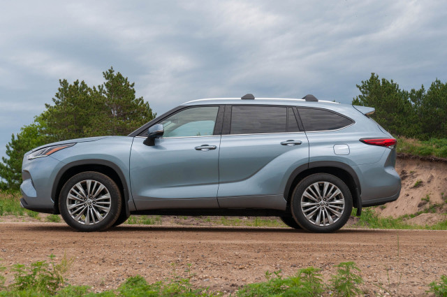 2020 Toyota Highlander revisited, 2021 Audi A7 PHEV previewed, 2020 Porsche Cayenne Hybrid reviewed: What's New @ The Car Connection