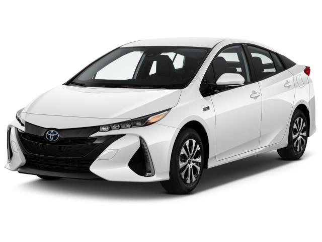 2020 Toyota Prius XLE (GS) Angular Front Exterior View