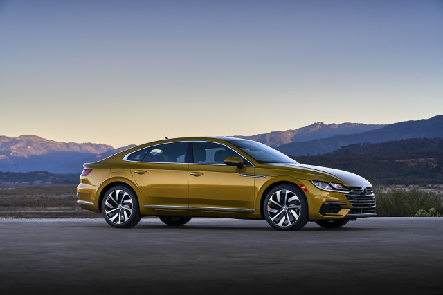 2020 Volkswagen Arteon sedan earns Top Safety Pick award