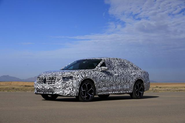 2020 - [Volkswagen] Passat IX 2020-volkswagen-passat-prototype-first-drive--december-2018_100682407_m