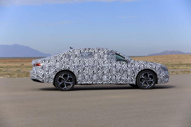 2020 - [Volkswagen] Passat IX 2020-volkswagen-passat-prototype-first-drive--december-2018_100682411_m