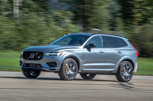 Volvo XC60 SUV recalled for loose wipers