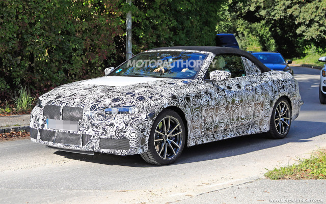 2021-bmw-4​-series-co​nvertible-​spy-shots-​-image-via​-s-baldauf​-sb-medien​_100672198​_m