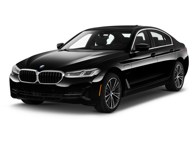2021 BMW 5-Series 530e Plug-In Hybrid Angular Front Exterior View