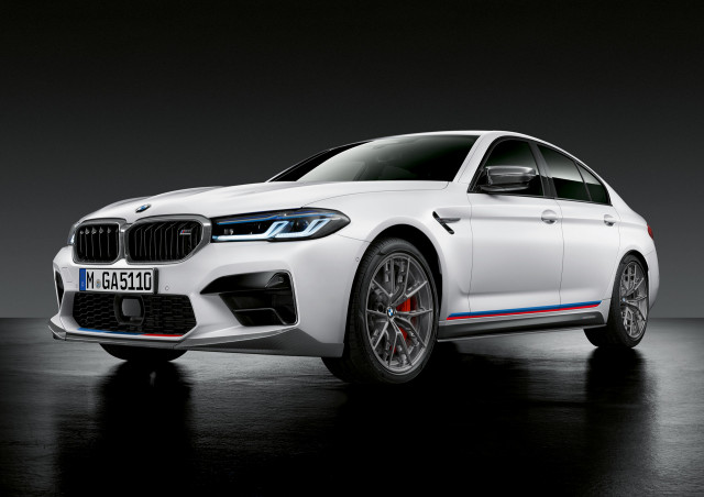 2021 BMW M5 fitted with M Performance parts