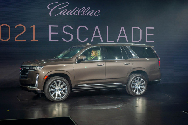 2021 Cadillac Escalade luxury SUV starts at $77,490, up $1,000 over old model