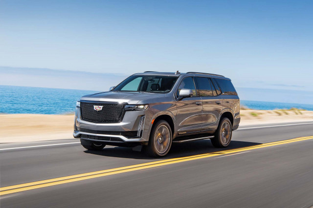 2021 Cadillac Escalade reviewed, 2021 Genesis GV80 tested, Tesla range boost: What's New @ The Car Connection