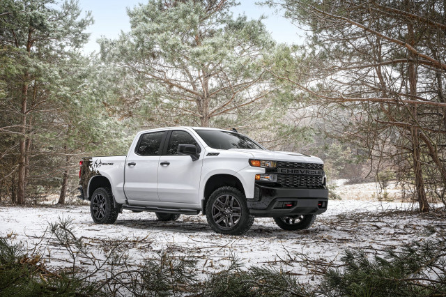 Chevy reintroduces 0% APR, big incentives on 2021 Silverado, 2020 Bolt, others