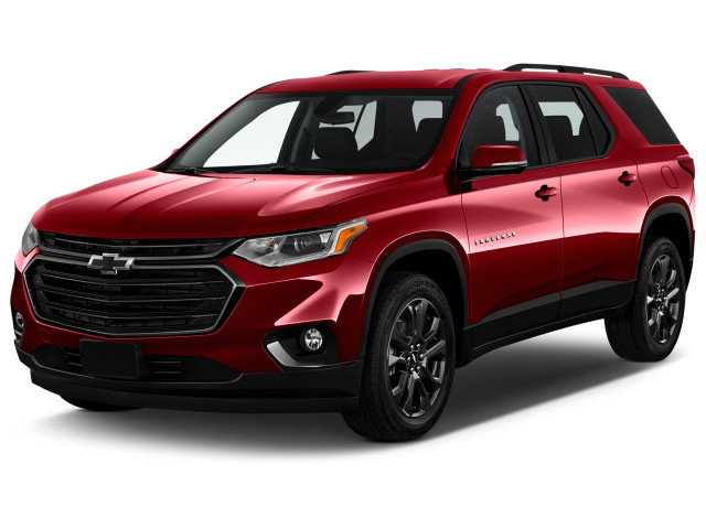 2021 Chevrolet Traverse FWD 4-door RS Angular Front Exterior View