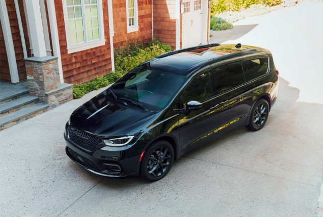 2021 Pacifica tops $54k, 2021 E-Class updated, Uber goes green: What's New @ The Car Connection