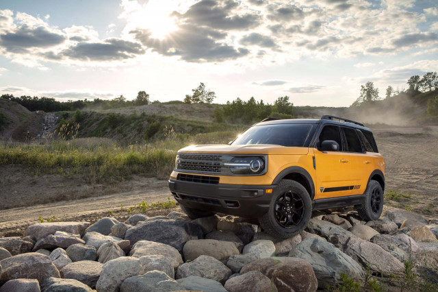 2021 Ford Bronco Sport vs. 2020 Ford Escape: Compare Crossover SUVs