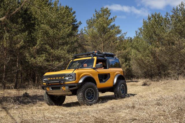 2021 Ford Bronco Vs 2020 Toyota 4runner Compare Suvs
