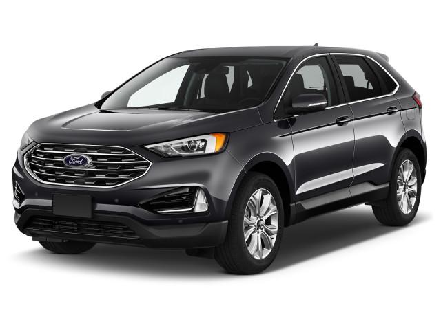 2021 Ford Edge Titanium FWD Angular Front Exterior View