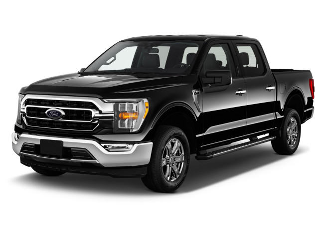 2021 Ford F-150 XLT 4WD SuperCrew 5.5' Box Angular Front Exterior View