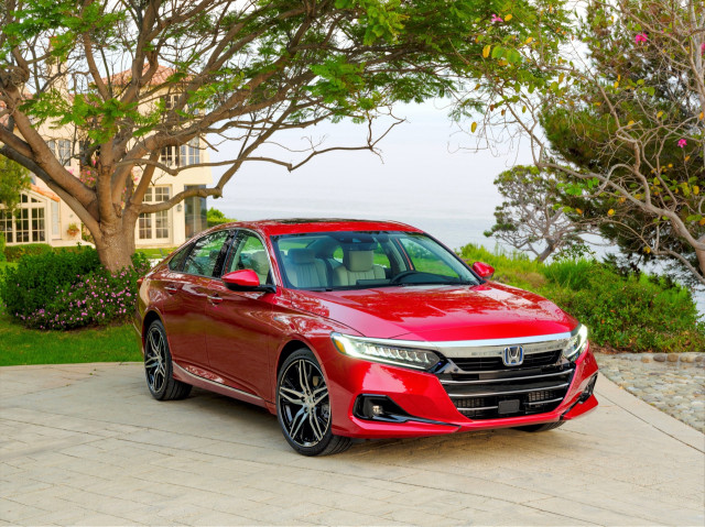 "2021 Honda Accord and Hybrid updated, ""Days of Thunder"" turns 30: What's New @ The Car Connection"