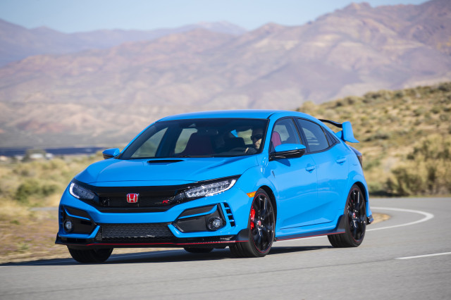 Elantra and Civic compared, 2022 Alpina B8 previewed, Mercedes preps EQS flagship : What's New @ The Car Connection