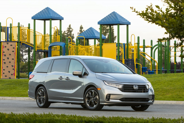 2021 Honda Odyssey aces safety tests, Polestar Precept preview: What's New @ The Car Connection