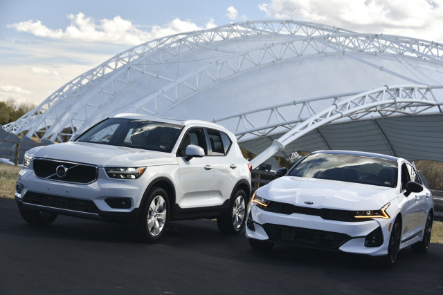 2021 IIHS TSP+ winners, Volvo XC40, left, and Kia K5, right