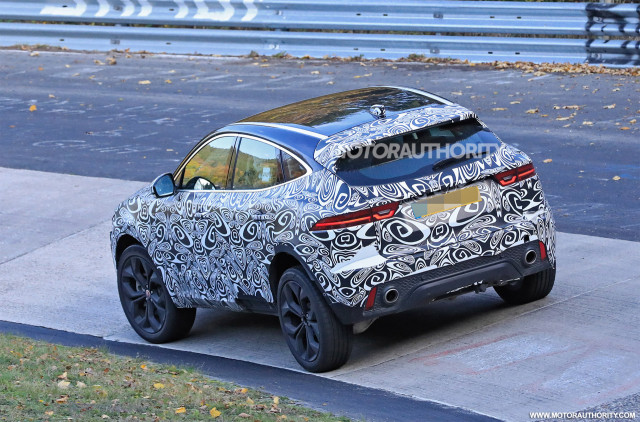 2022 Jaguar E-Pace facelift spy shots - Photo credit: S. Baldauf/SB-Medien
