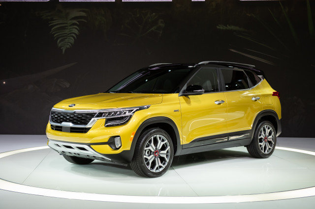 2021 Kia Seltos crossover nets up to 31 mpg combined rating, starts at $23,110