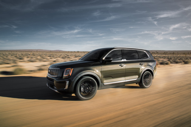 2021 Kia Telluride overview, best flaws of the C8 Corvette, fading the Kia Soul EV: What's New @ The Car Connection