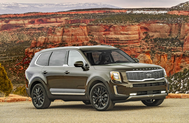 2021 Kia Telluride costs $300 more, starts at $33,415