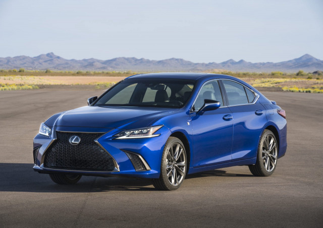 2021 Acura TLX vs. 2021 Lexus ES: Compare Cars