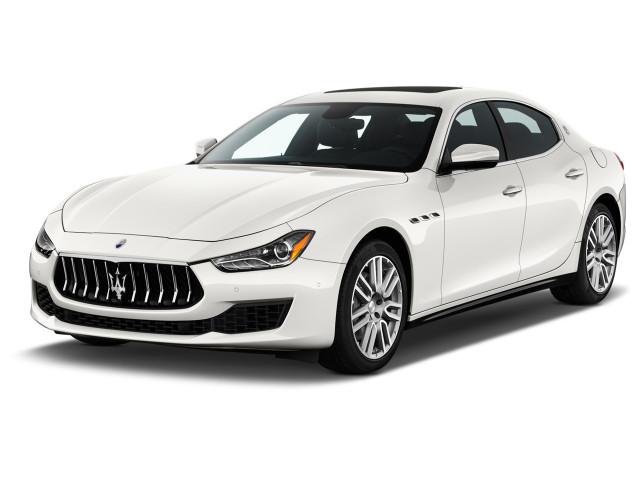 2021 Maserati Ghibli 3.0L Angular Front Exterior View