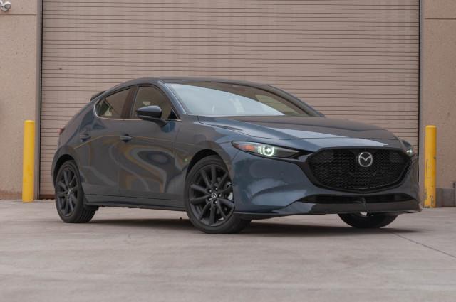 2021 Hyundai Elantra vs. 2021 Mazda 3: Compare Cars
