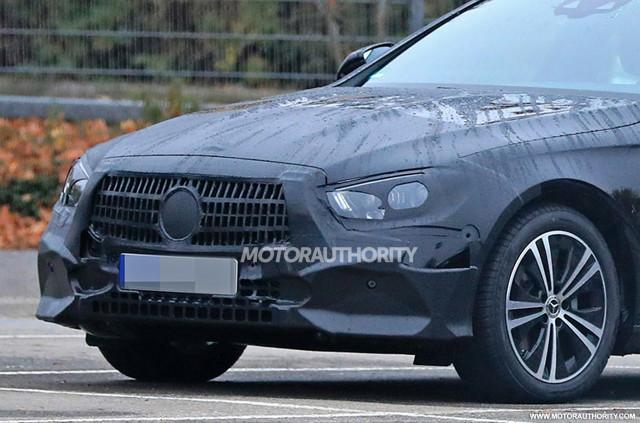 2021 Mercedes-Benz E-Class Wagon facelift spy shots - Image via S. Baldauf/SB-Medien