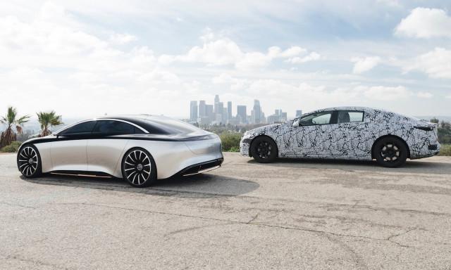 Prototipe Mercedes-Benz EQS 2022 dan konsep Vision EQS