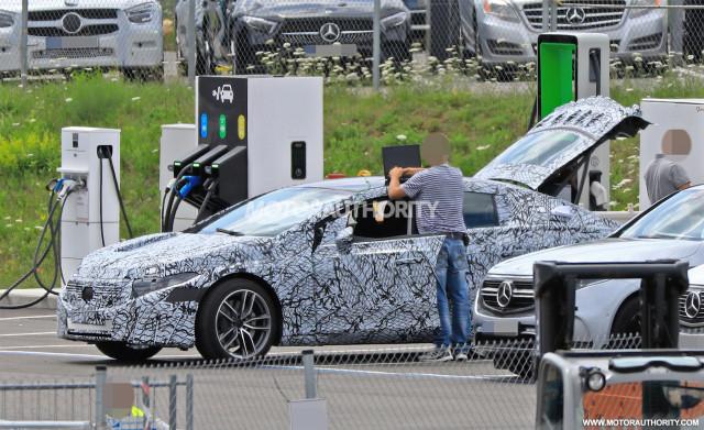 Foto mata-mata Mercedes-Benz EQS 2022 - Foto kredit: S. Baldauf / SB-Medien