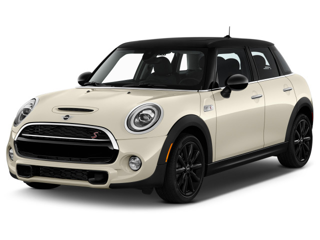 2021 MINI Cooper Cooper S FWD Angular Front Exterior View
