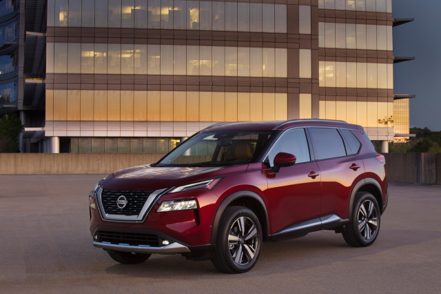 2021 Nissan Rogue fares poorly in NHTSA passenger-side crash tests