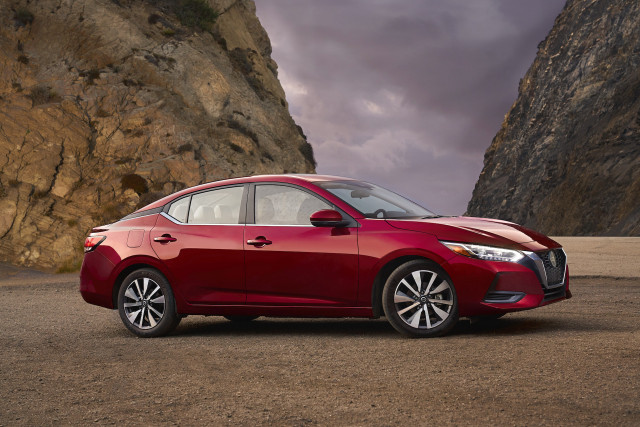 2021 Nissan Sentra price increases $100 to $20,335