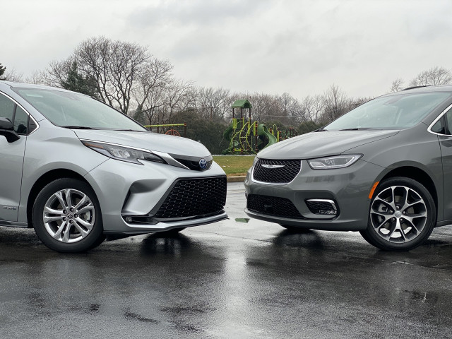 2021 Toyota Sienna, left, and 2021 Chrysler Pacifica, right