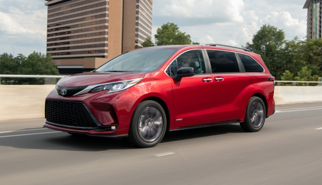Toyota Sienna: Best Car To Buy 2021 nominee