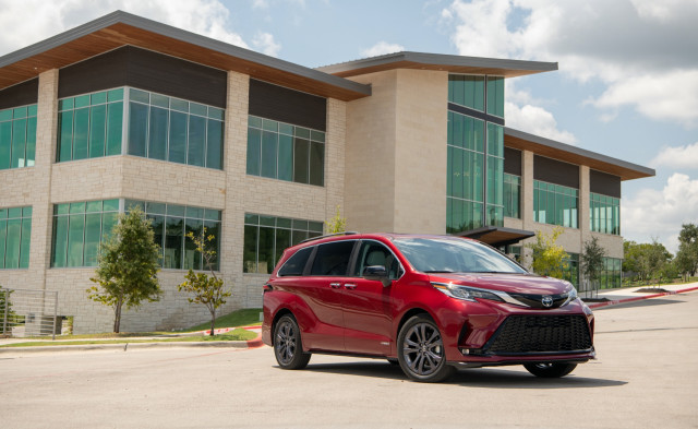 2021 Toyota Sienna earns Top Safety Pick+ award
