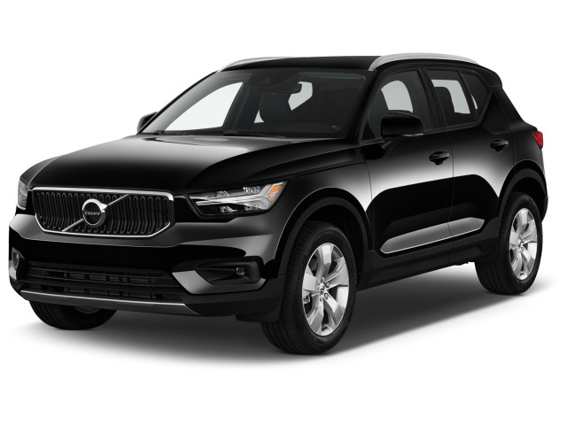 2021 Volvo XC40 T5 AWD Momentum Angular Front Exterior View