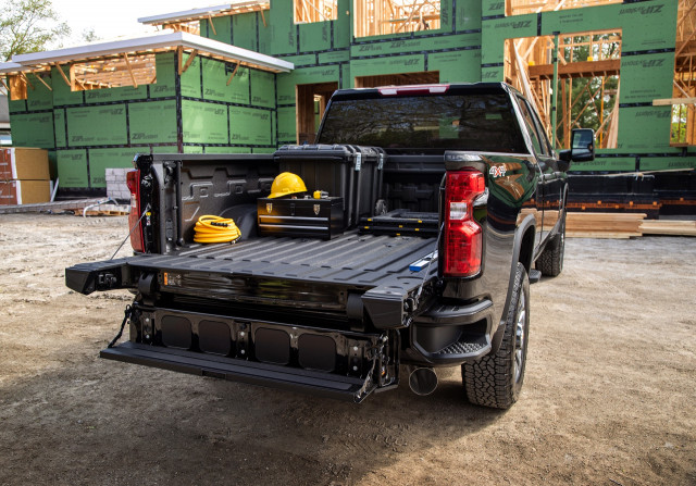 2022 Chevrolet Silverado 2500HD gets 6-way tailgate