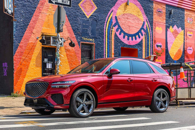 2022 Genesis GV70 driven, 2022 CT4-V Blackwing tracked, 2021 Hyundai Santa Fe Hybrid tested: What's New @ The Car Connection