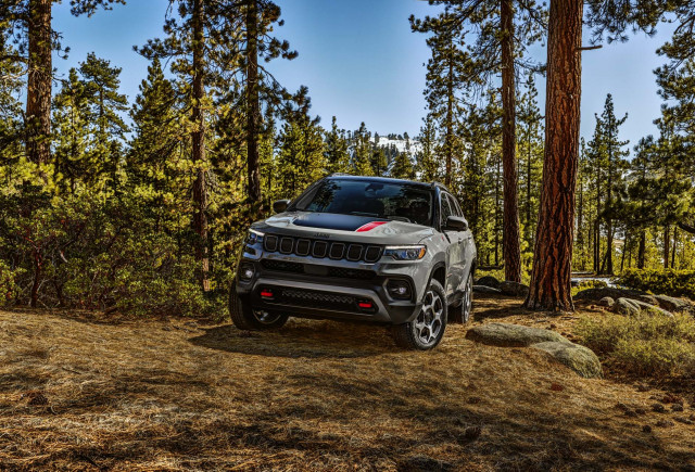 2022 Jeep Compass redesign counters Ford Bronco Sport for $26,490